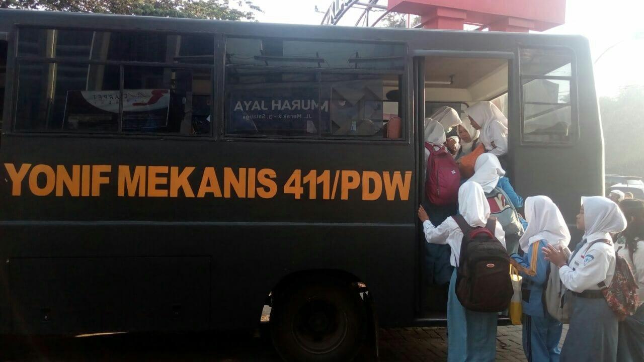 Atasi Demo Angkot Mogok Massal, Kostrad Kerahkan Bus Bantuan