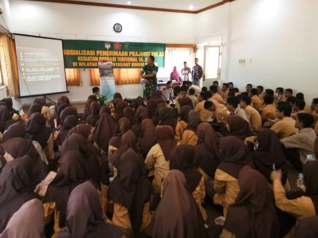 Sosialisasi Penerimaan Prajurit TNI di Korem 011/Lilawangsa