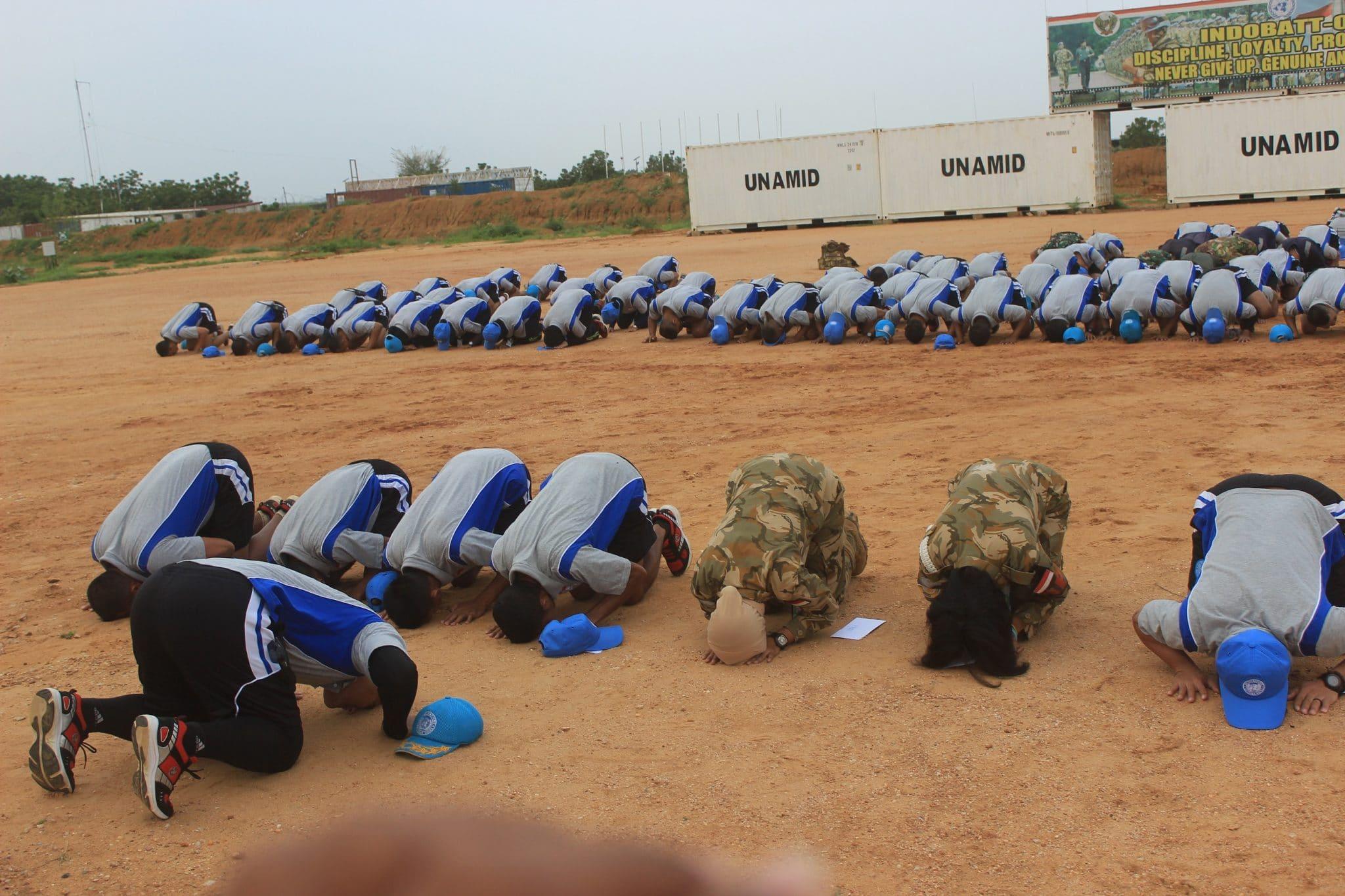 Pasukan Garuda Sujud Syukur di Lapangan Apel Indobatt-03