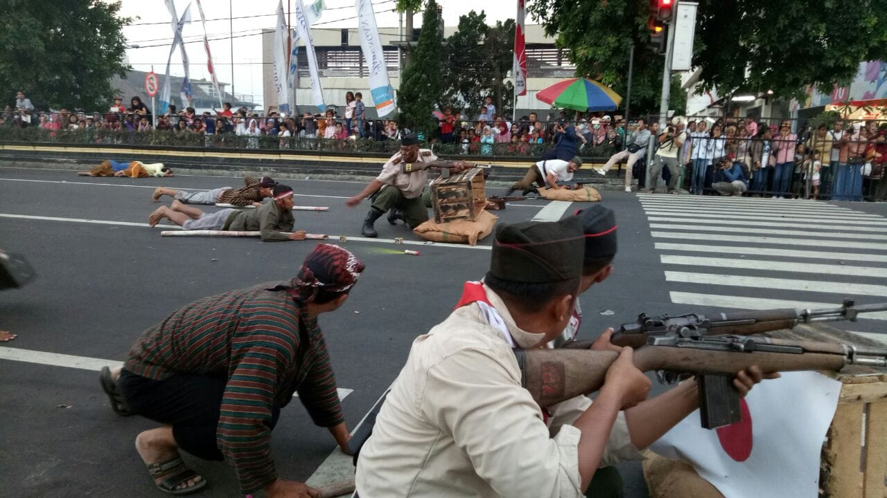 Aksi Teatrikal Kodim 0705 Magelang Semarakkan Karnaval Pembangunan