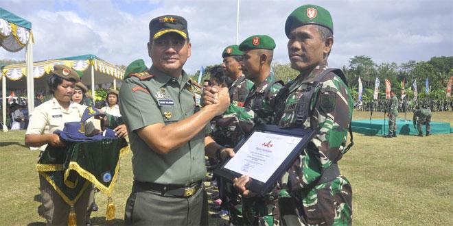 Pelda Rosidi Dapat Penghargaan Motivator KB Pria Se-Yogyakarta