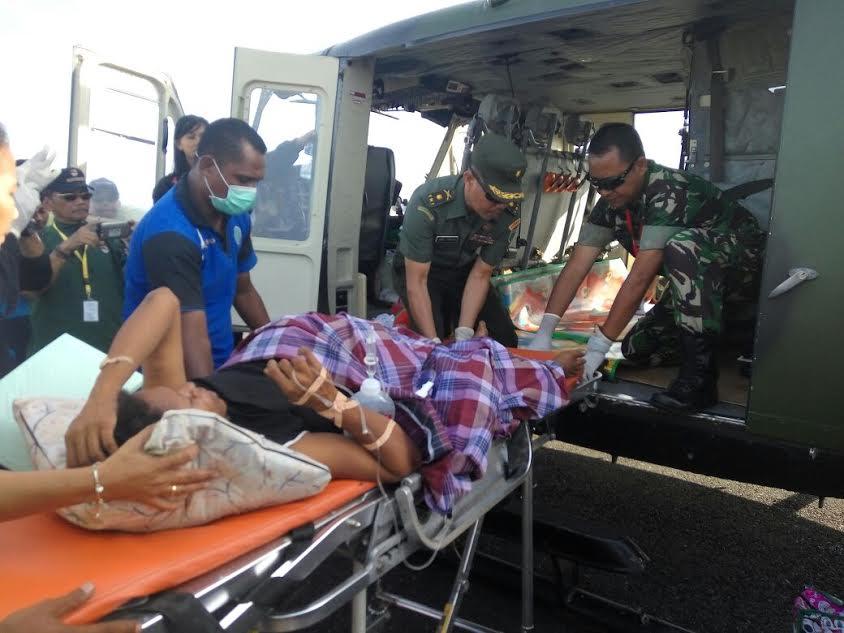 Gunakan Heli Logistik, Tim Ekspedisi NKRI Bantu Evakuasi Pasien