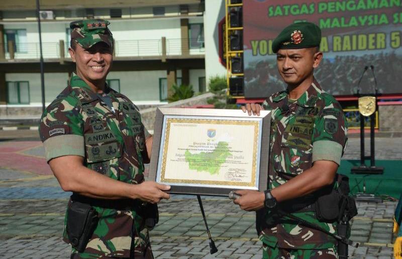 Yonif 502/UY Akhiri Penugasan Jaga Perbatasan RI-Malaysia Dengan Keberhasilan