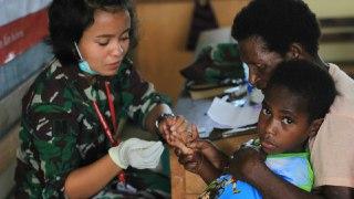 Tim Ekspedisi NKRI Gelar Pengobatan Massal di Distrik Passue Bawah Papua