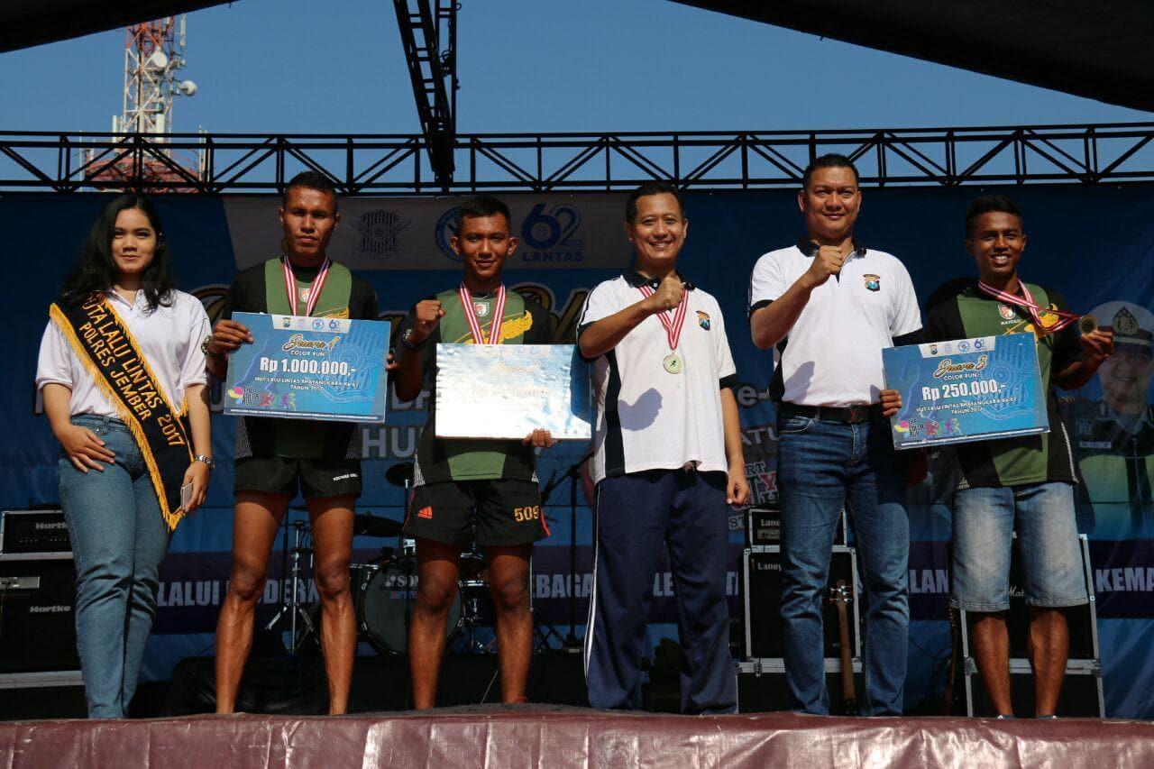 Prajurit Kostrad Raih Juara Marathon HUT Ke 62 Lantas Bhayangkara