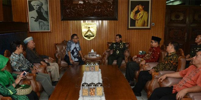 Pesantren Siap Menjadi Garda Terdepan Bersama TNI
