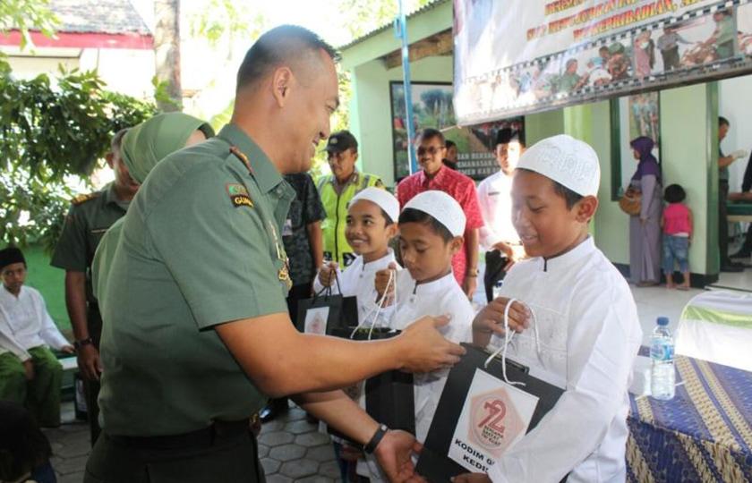 Peduli Masyarakat, Kodim Kediri Khitan 109 Anak Secara Massal