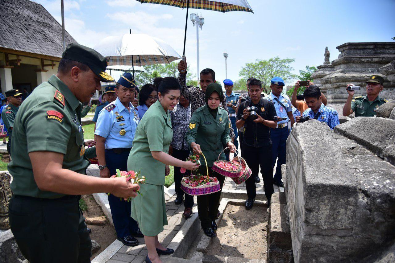 Maknai HUT ke-72 TNI, Ziarah ke Makam Hasanuddin