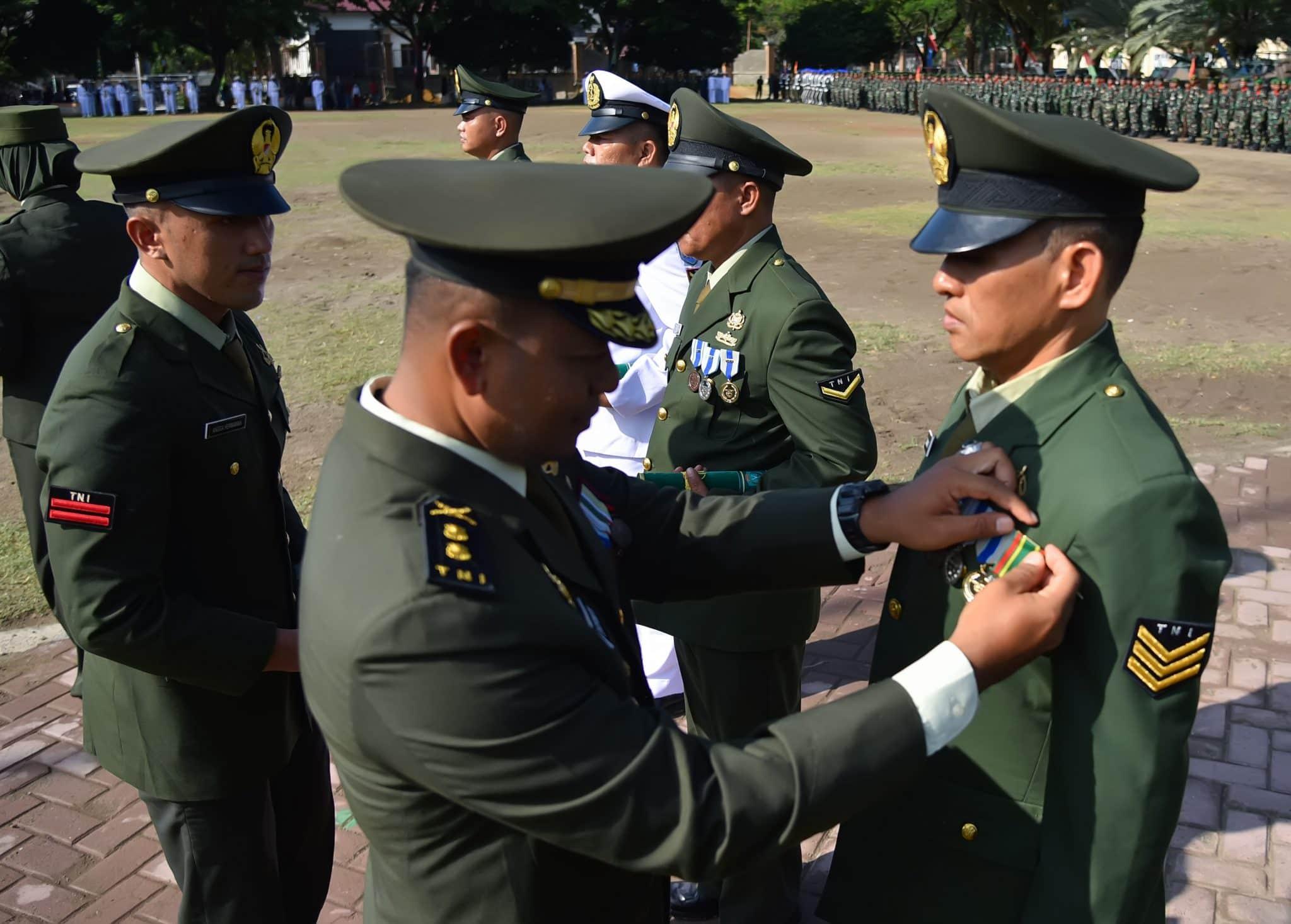 TNI jajaran Korem 011/LW Terima Penghargaan dari Presiden.