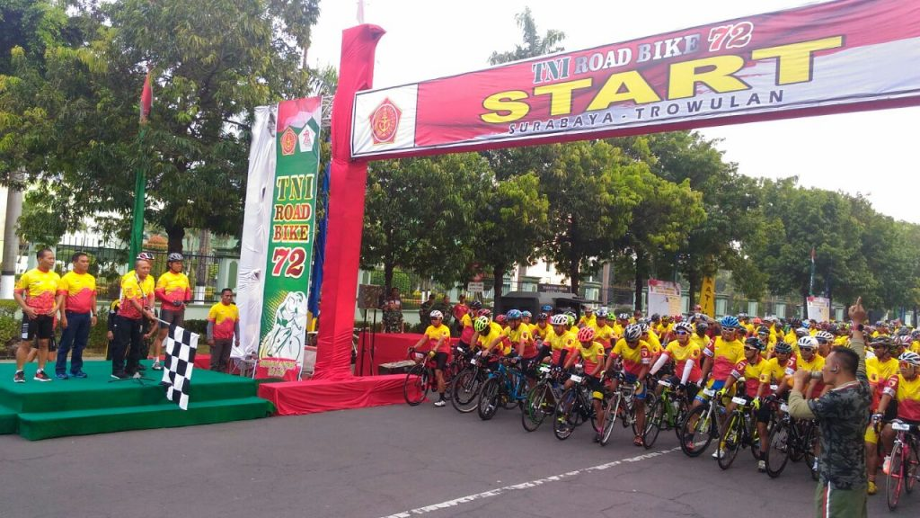TNI Gelar Road Bike 72 KM, Tempuh 8 Titik Wilayah di Jawa Timur