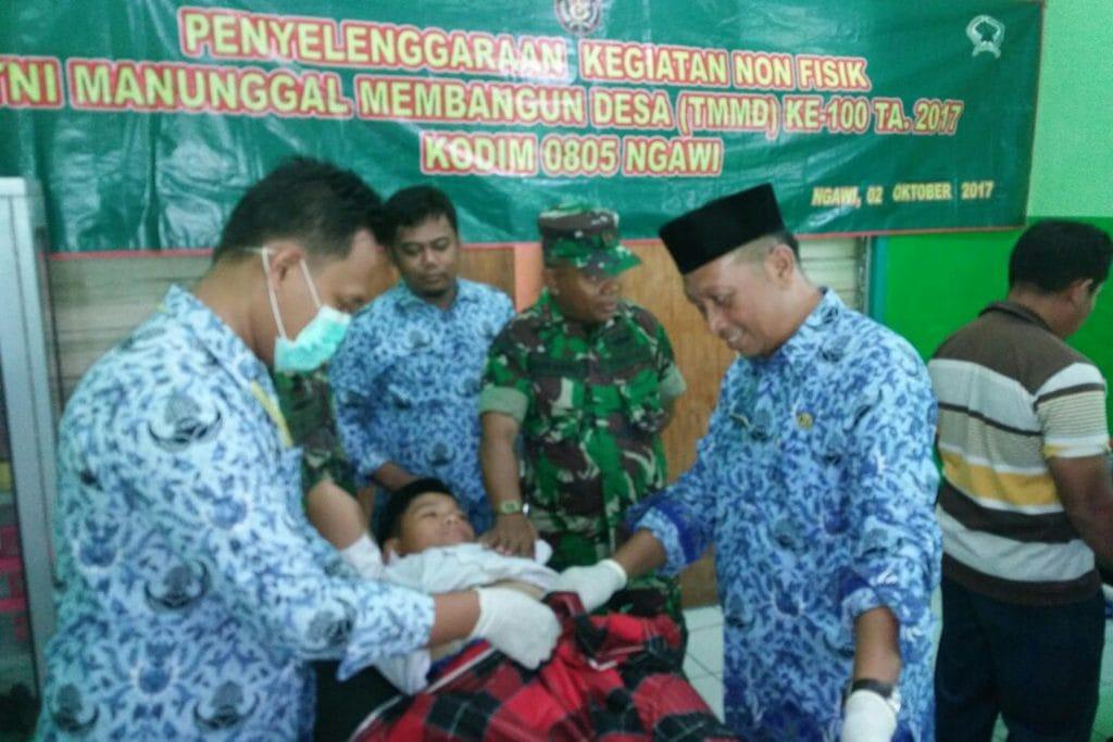 TMMD ke 100, Kodim 0805/Ngawi Gelar Khitanan Massal di Karanganyar