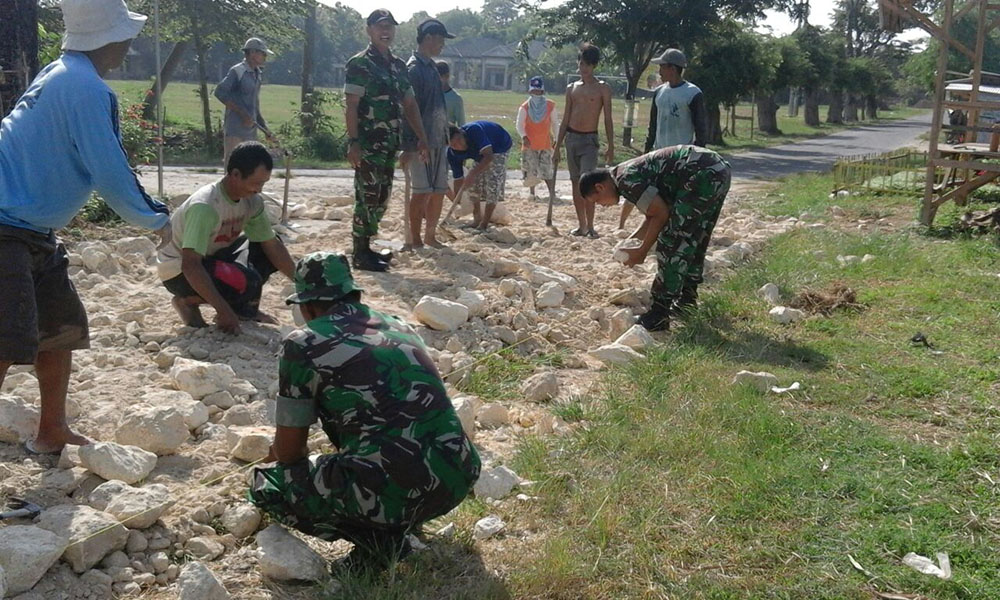 TNI Selalu Hadir Dalam Mengatasi Kesulitan Rakyat