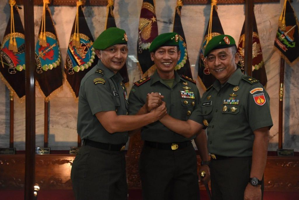 Brigjen TNI Fadhilah Menjadi Kapuspen TNI, Brigjen TNI Fadjari Menjabat Kasdam IV