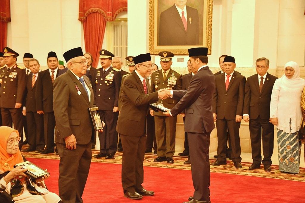 Panglima TNI Hadiri Penganugerahan Pahlawan Nasional