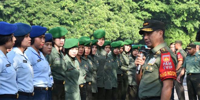 Wanita TNI Kawal Prosesi Pernikahan Puteri Presiden
