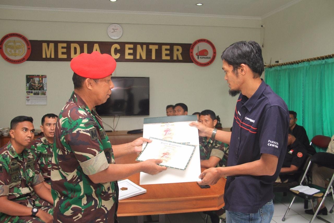 Kopassus Juara II Lomba Foto Puspen TNI