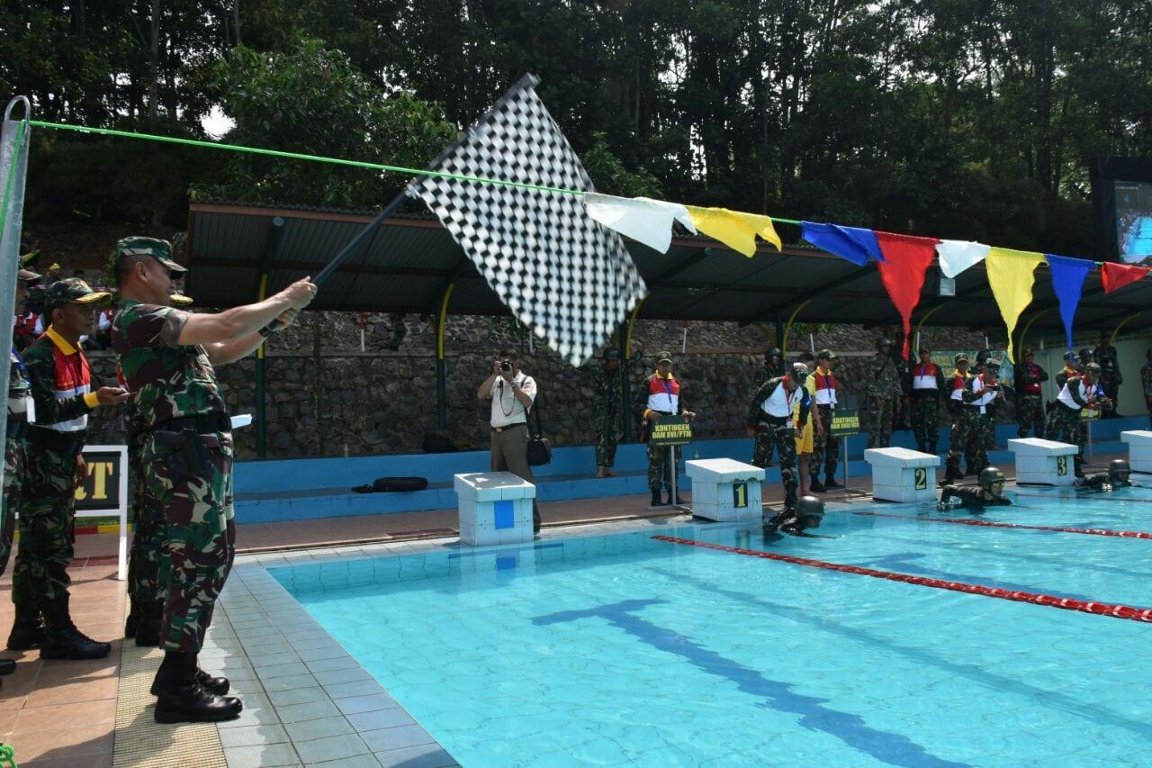 Divif 2/Kostrad Jawara Lomba Renang Militer Ton Tangkas Periode II