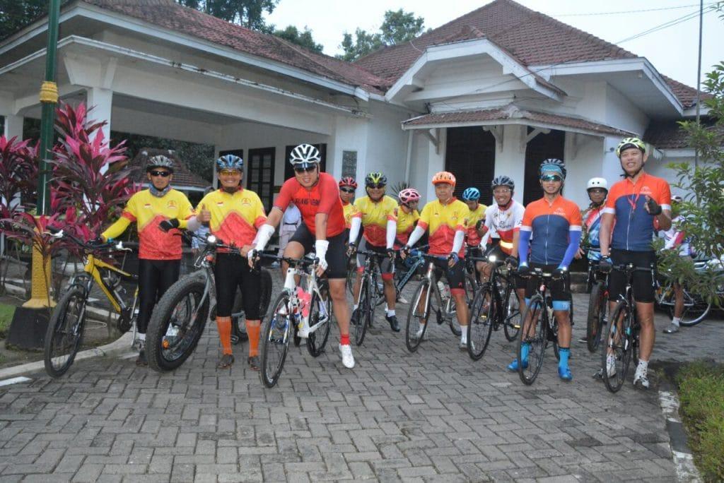 Pangdam V/Brawijaya Gowes Bareng Warga Malang
