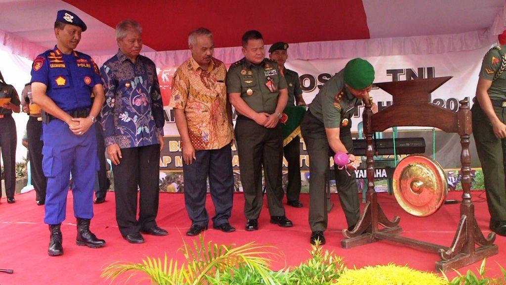 Ribuan Warga Antusias Padati Baksos Kesehatan TNI