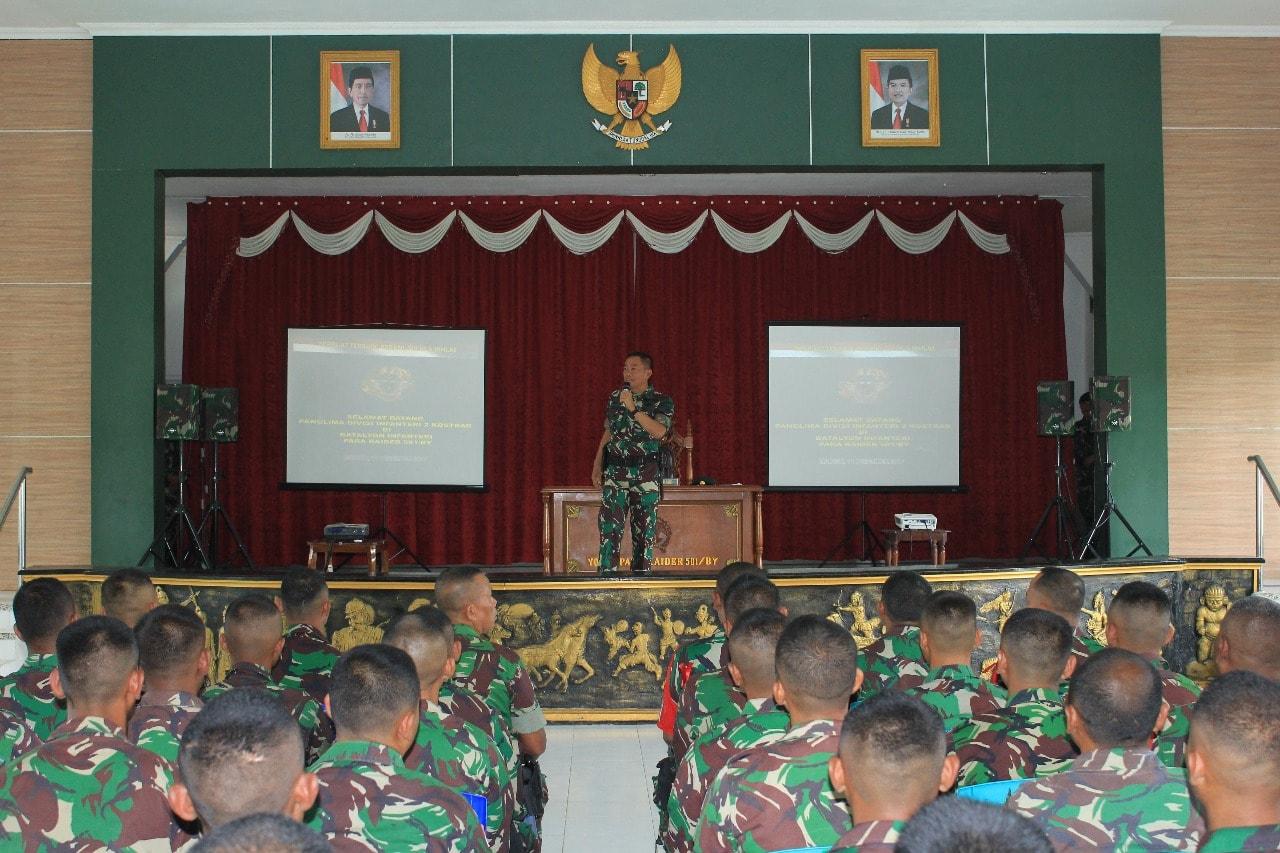 Pangdivif 2 Kostrad Berikan Pengarahan Kepada Prajurit Satgas Yonif Para Raider 501 Kostrad
