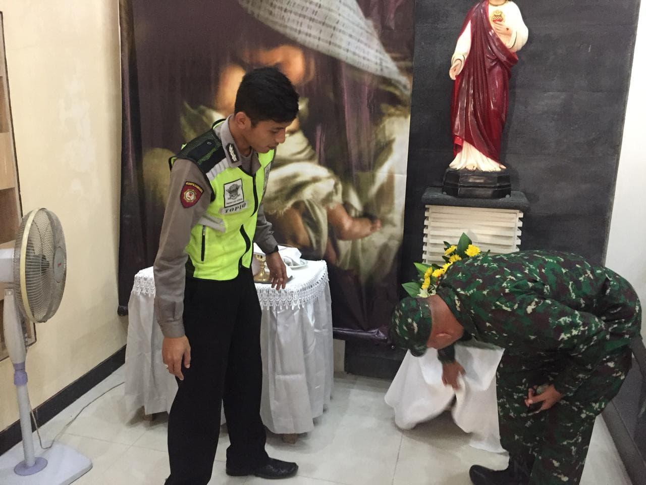 TNI-Polri dan Masyarakat Amankan Perayaan Natal dan Tahun Baru di Klaten.