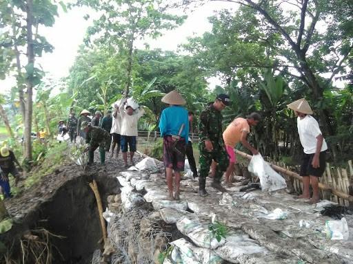 Kodim 0723/Klaten, Mulai Dari Karya Bakti Sampai Distribusi Air Bersih