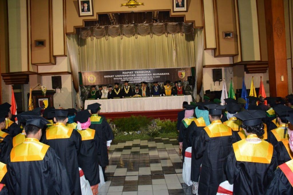 234 Mahasiswa Unmer Surabaya di Wisuda Pangdam