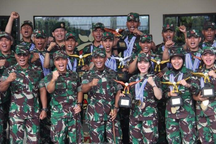 Kontingen TNI AD Sabet Tropi Juara Umum Lomba Tembak Piala Panglima TNI 2017