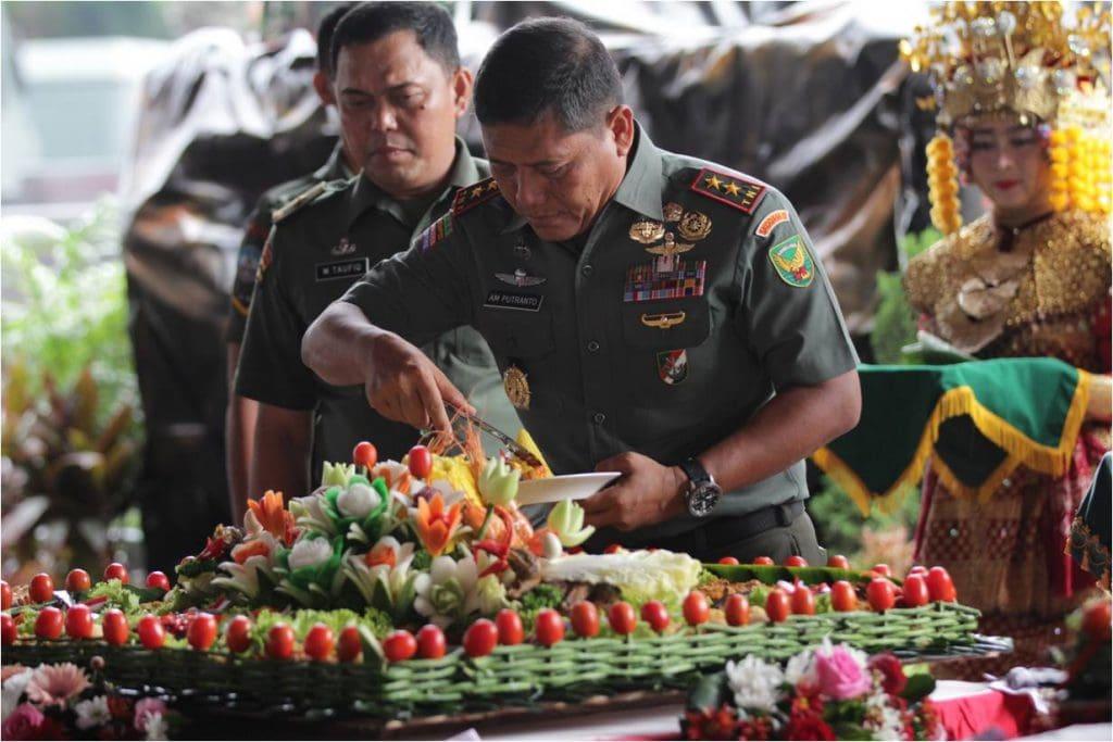 Syukuran HUT Kodam II/Sriwijaya dan Kowad Berlangsung Meriah
