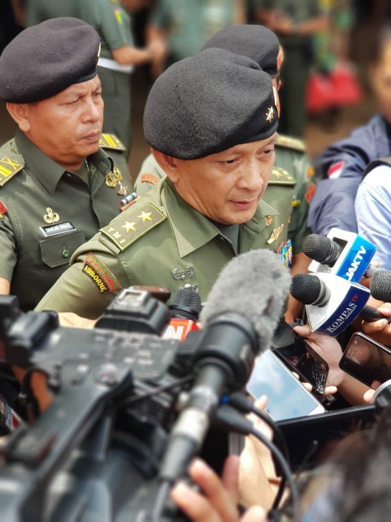 Kapuspen TNI :Prajurit TNI Yang Terjun ke Dunia Politik Harus Pensiun Dini.