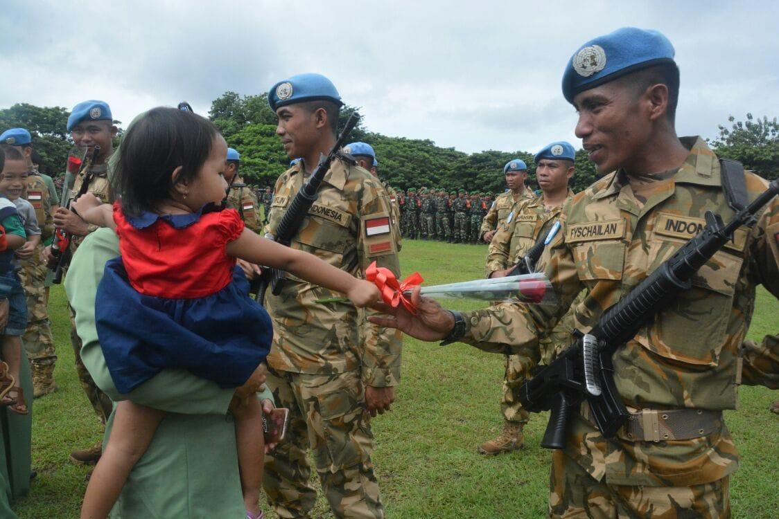 Keluarga Prajurit Sambut Kedatangan Pasukan Perdamaian PBB
