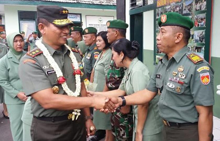 Babinsa Harus Menjadi Contoh Kemanungalan TNI-Rakyat