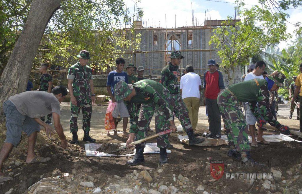 Korem 152/Babullah Gelar Karya Bakti Pembersihan Kawasan Pantai Wisata