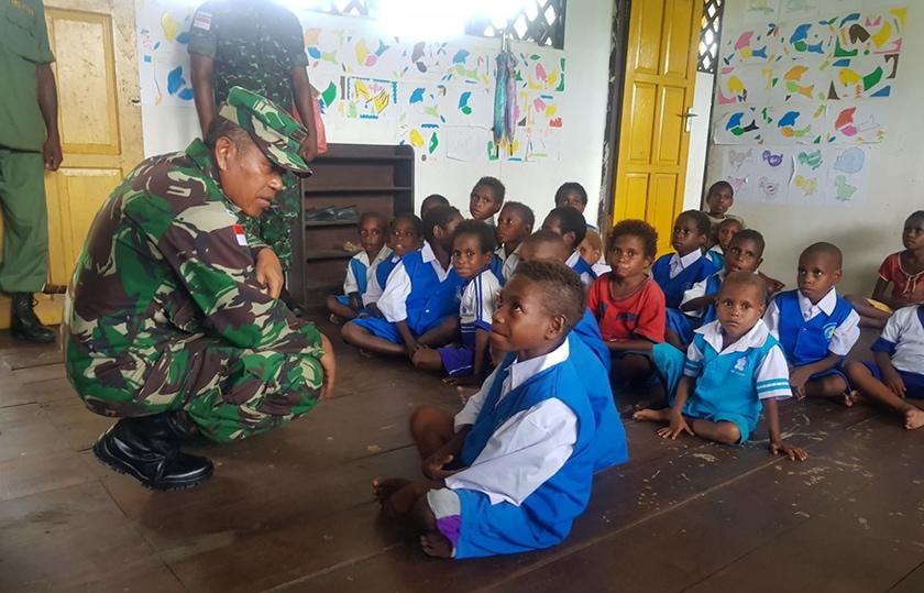 Satgaskes TNI Terjun Langsung ke Distrik-Distrik di Pedalaman Agats