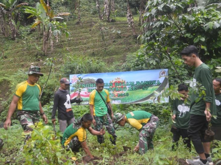 Prajurit Kostrad Laksanakan Penghijauan Hutan Kali Jaheyang