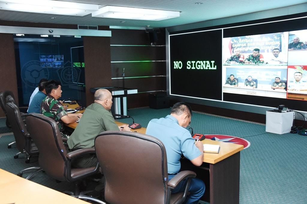 Alkomlek TNI Terpasang, Memudahkan Komunikasi di Asmat