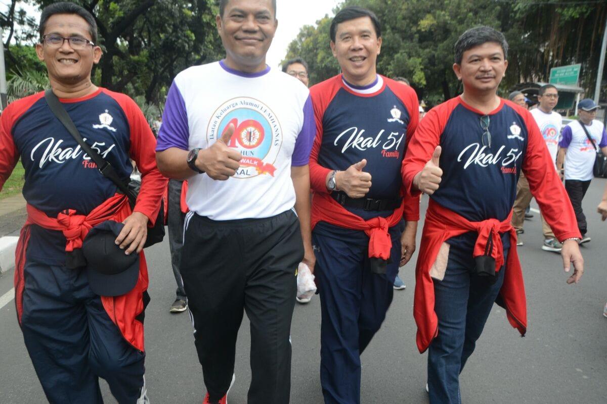 Pangdam Jaya Bersama Ribuan IKAL Sambut Mentari dengan Jalan Santai