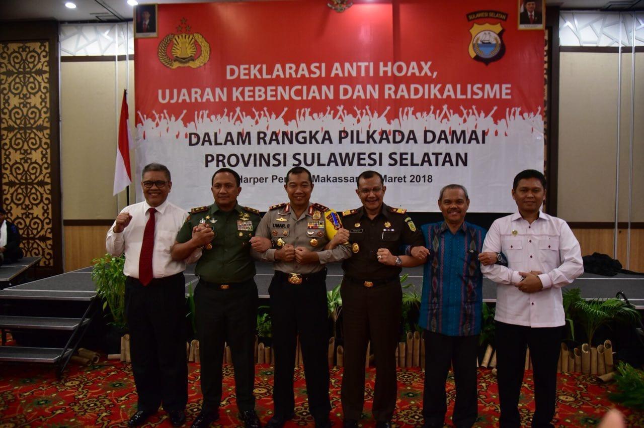 TNI-Polri dan Forkopimda Sulsel Deklarasikan Anti Hoax