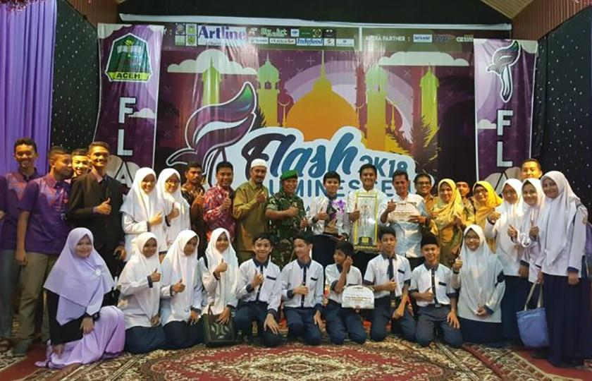 Sman 3 Dan Mtsn Model Banda Aceh Juara Umum Flash Luminescent 2018 Tni Angkatan Darat