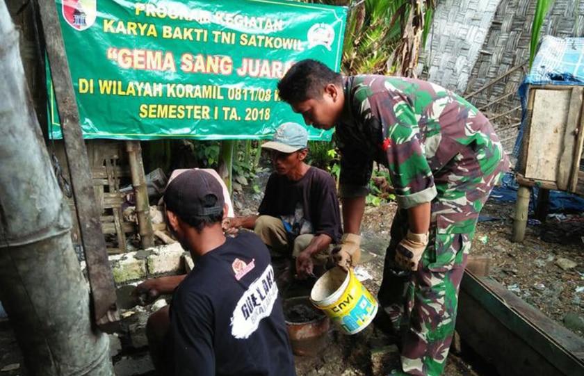 Ajak Hidup Sehat, TNI Bangun Jamban Untuk Warga