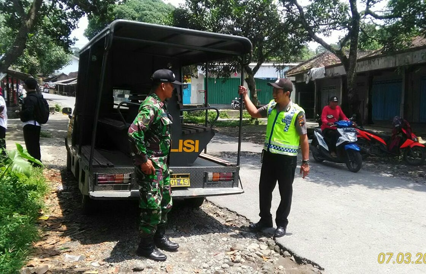 Koramil Kemalang Patroli Bersama Polsek Guna Menciptakan Situasi Kondusif
