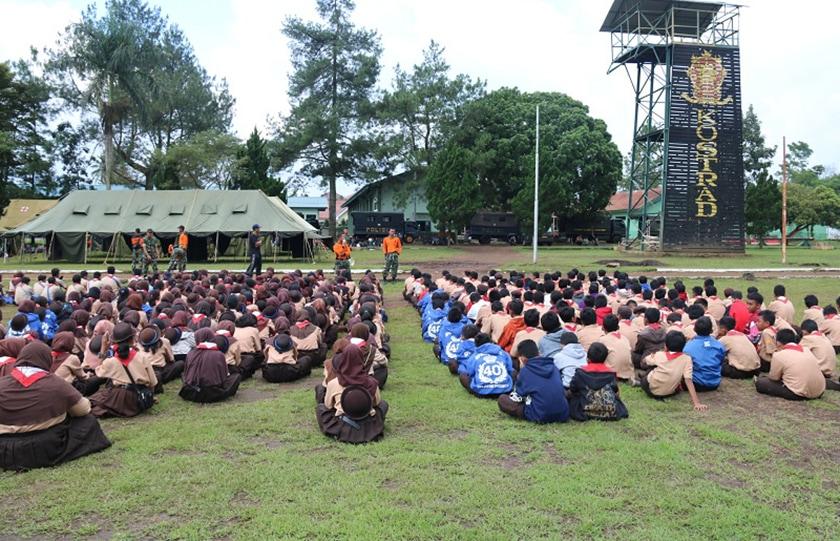 Kostrad Gelar Latihan Dasar Kepemimpinan di SMPN 40 Semarang