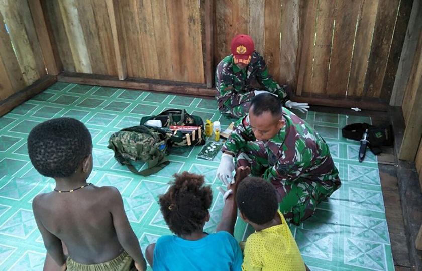 Satgas Yonif Para Raider 501 Kostrad Kembali Adakan Pengobatan Keliling