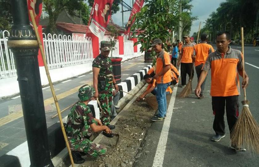 Gelar Karya Bakti, TNI dan Warga Wujudkan Magelang Bersih
