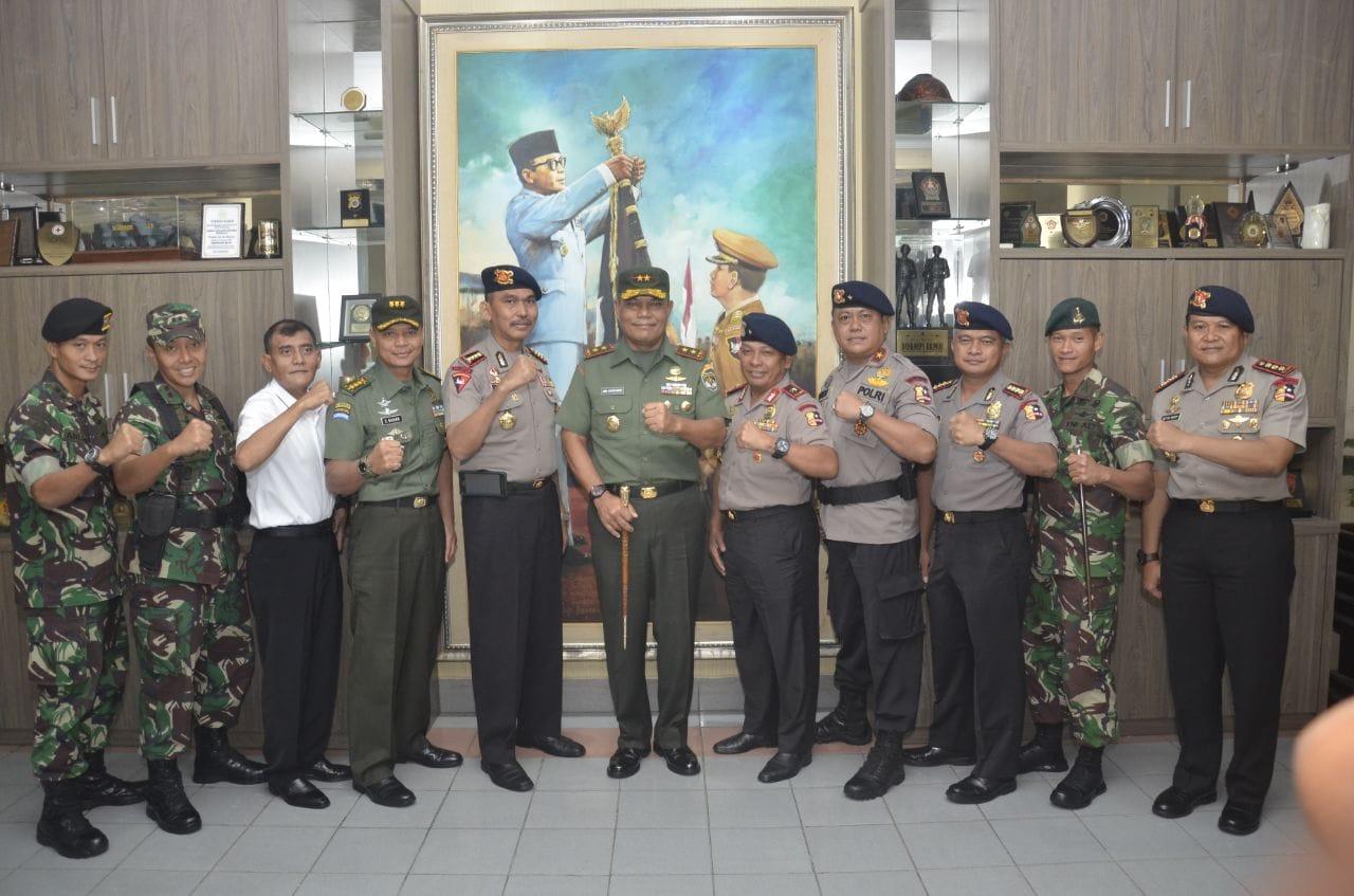 Jaga Sinergitas, Pangdam Jaya Kunjungi Mako Brimob
