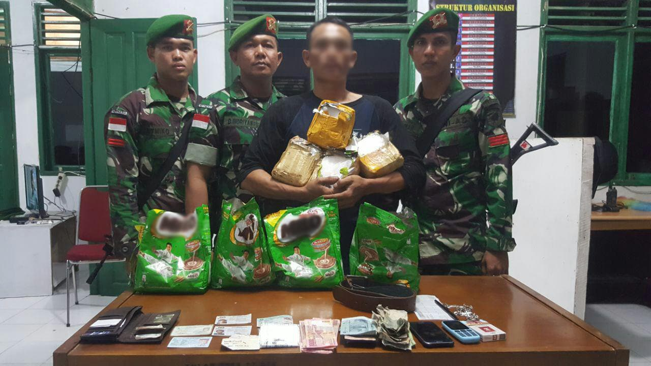 14,6 Kg Sabu Digagalkan Satgas Pamtas Yonif 642/Kapuas di Perbatasan RI-Malaysia