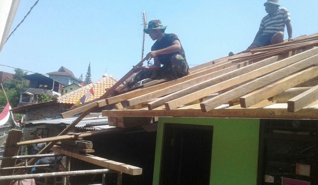 Satgas TMMD Kodim Yogyakarta Selesaikan Tahap Akhir Rehab Rumah Warga
