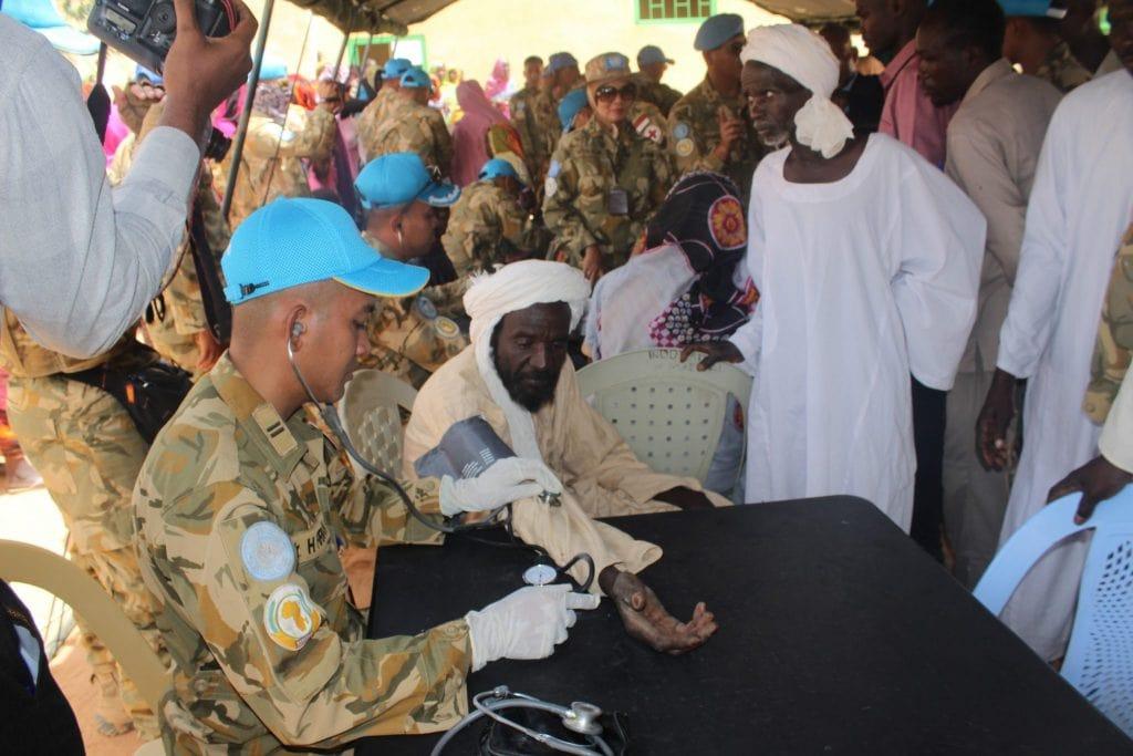 Satgas Yonkomposit TNI Gelar Bakti Sosial Kesehatan di Karak Sudan