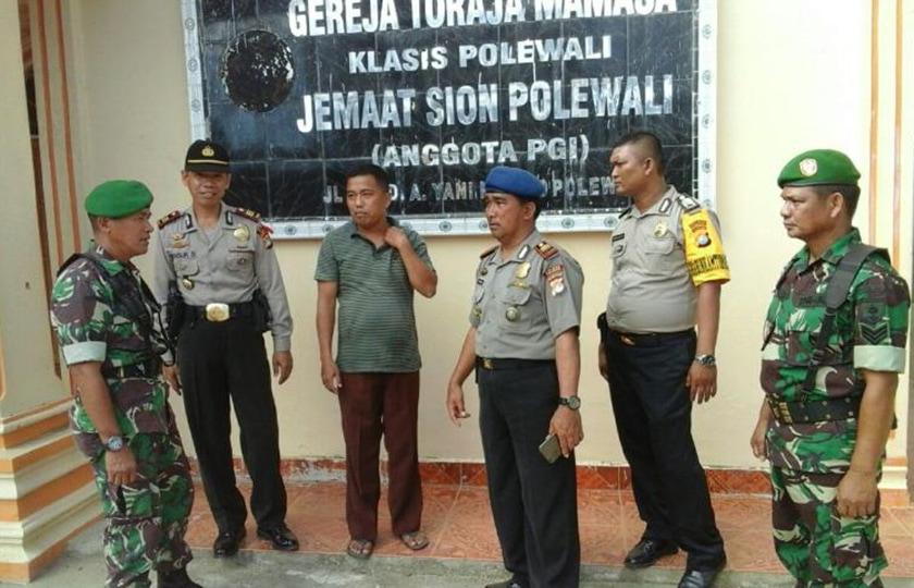 Ciptakan Rasa Aman, TNI Polri di Polman Patroli Bersama