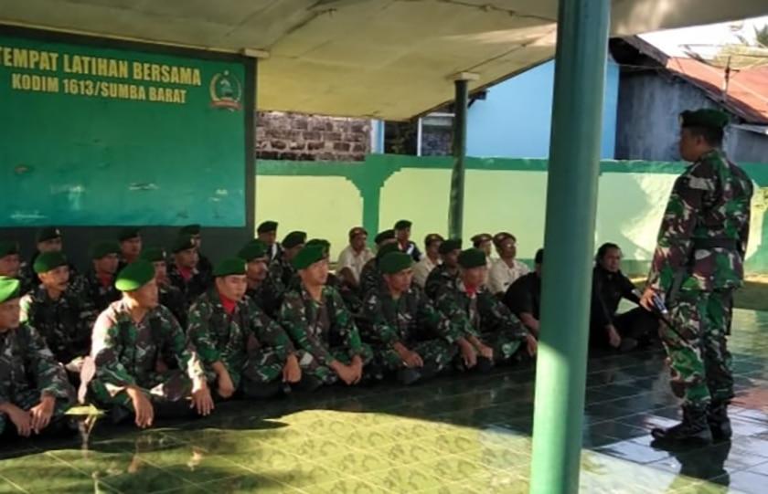 Dandim Sumba: Prajurit Kodim dan PNS TNI Harus Berikan Contoh yang Baik